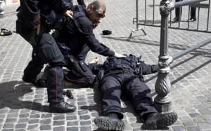Carabiniere ferito Palazzo Chigi