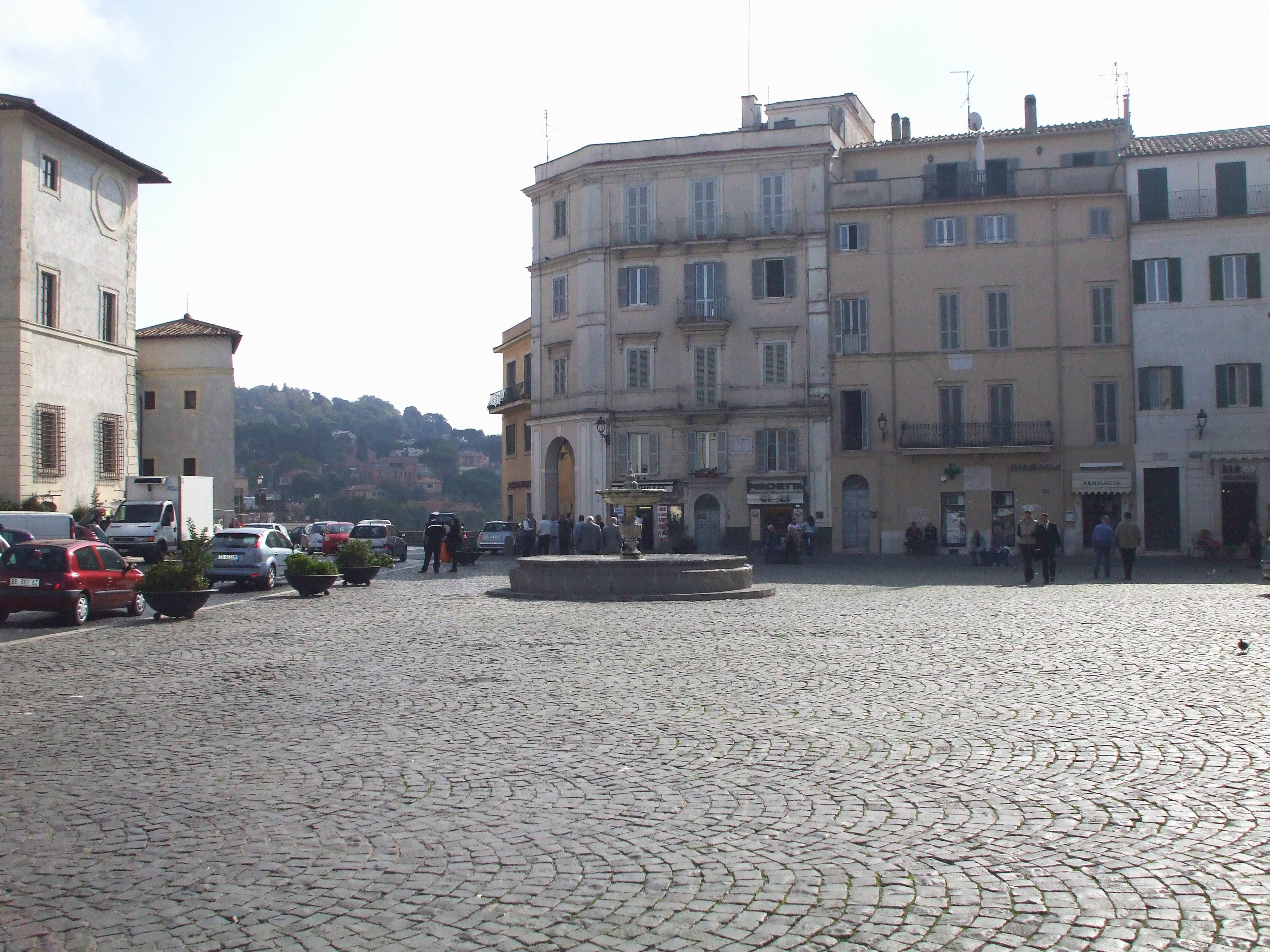Ariccia_piazza_di_Corte