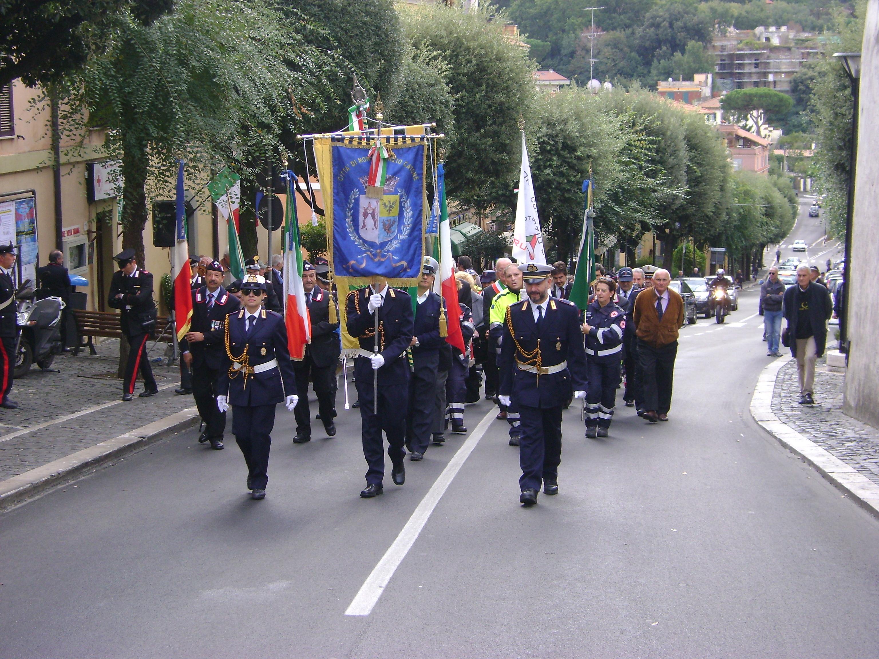 sfilata per il 4 novembre a monte porzio catone