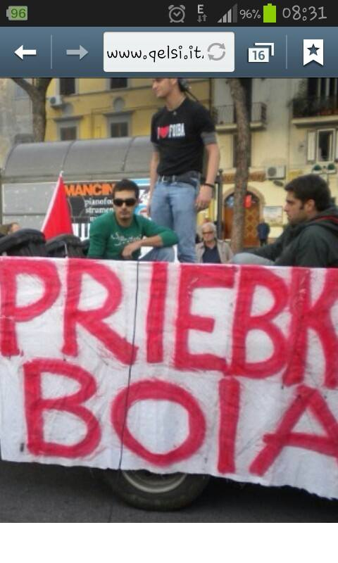 Corteo antifascista i love foibe