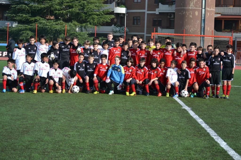 i ragazzi giapponesi di nagoya al centro calcio rossonero