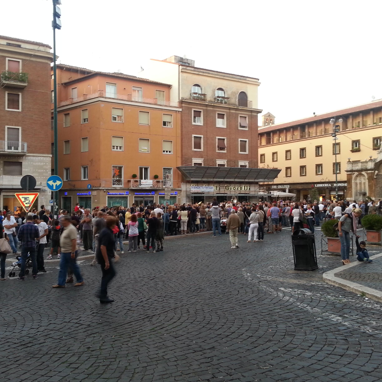 piazza_san_pietro_frascati_foto_Nicola_Gallo