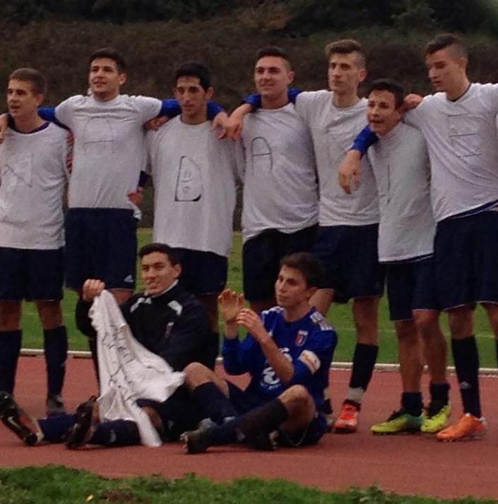 juniores_rocca_priora_calcio_con_maglia_per_spina