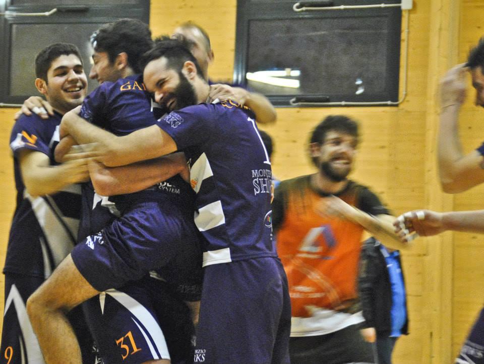 """Pallavolo, serie C maschile: domani h.19 al """"Cristiano Urilli"""" Sharks contro la capolista Talete"""