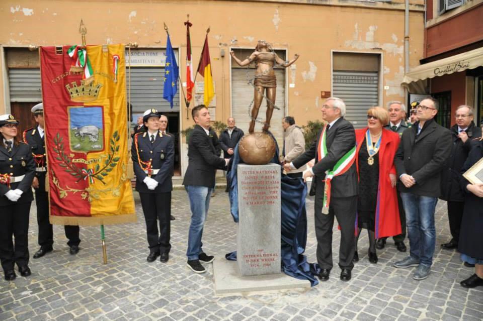 statua8marzo