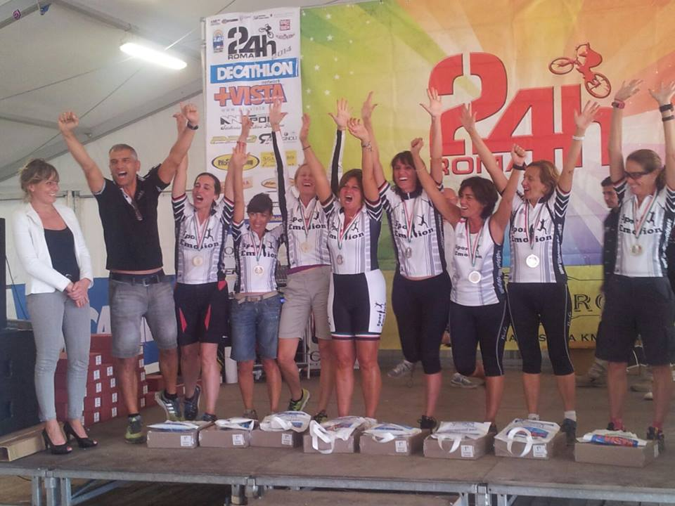 premiazione_squadra_femminile_sport_emotion