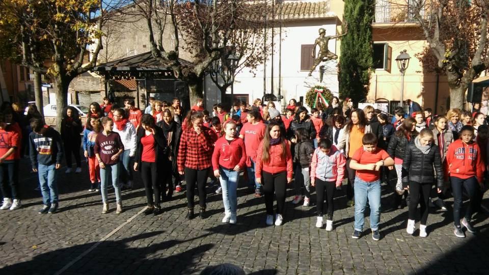 flashmob_colonna_contro_violenza_sulle_donne