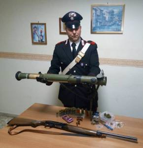 lanciagranatesequestratocarabinieri