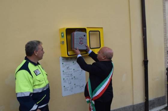 Installato nuovo defibrillatore a Lariano