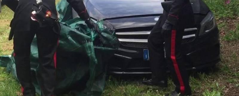Scoperto deposito per riciclaggio di Mercedes rubate