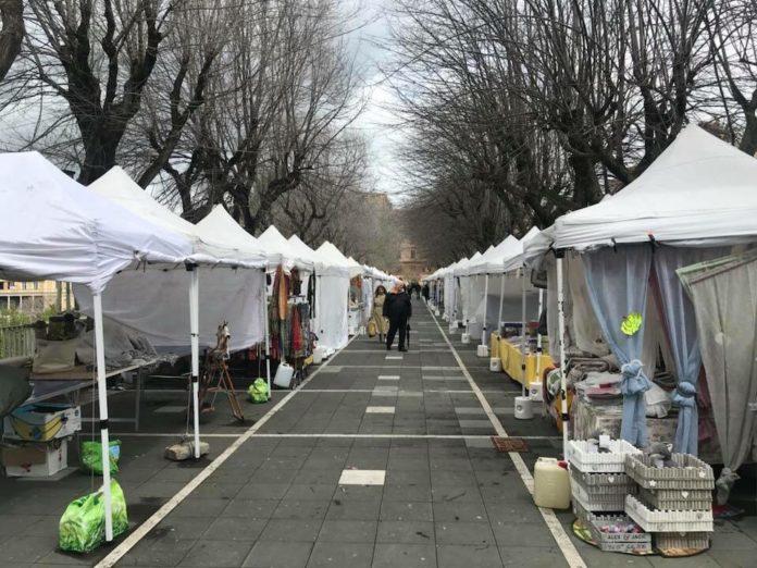 mercatino_passeggiata