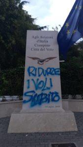 vandalismo_stele