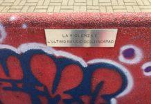 panchina_rossa_imbrattata