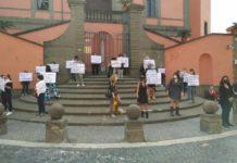 manifestazione_commercianti_marino_25_05