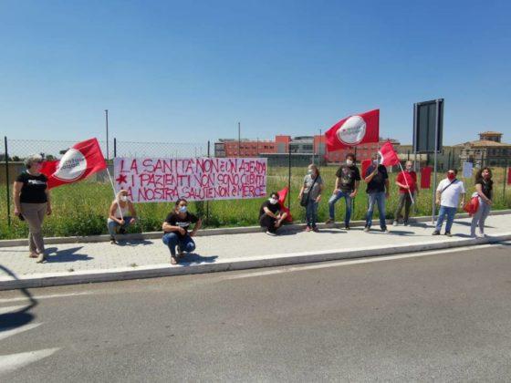 flash_mob_sanita_potere_al_popolo