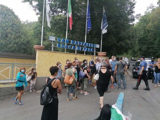 manifestazione_lavoratori_san_raffaele_rocca_di_papa_03_08