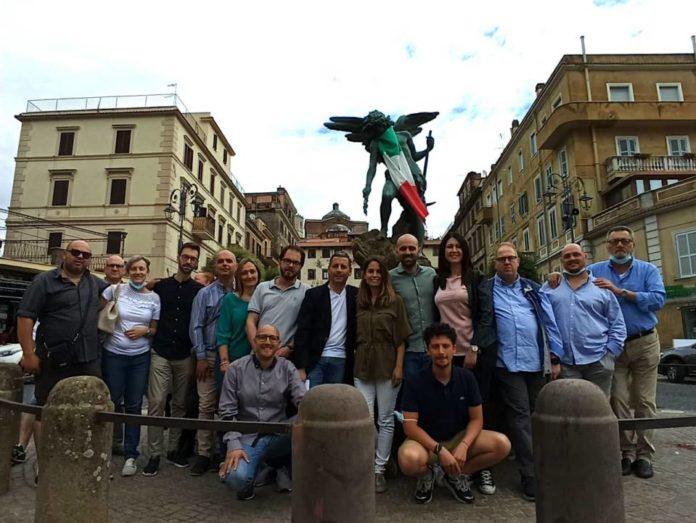 e_ora_monte_compatri_piazza_18_luglio